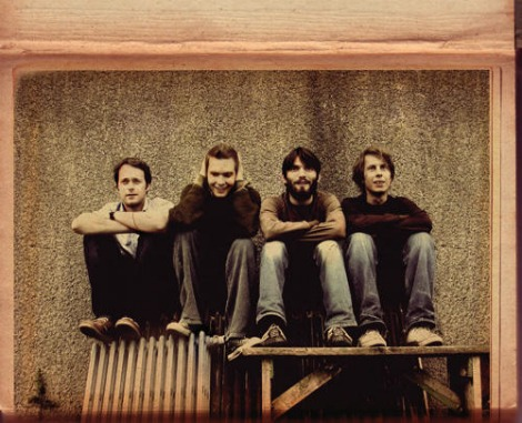 sigurros table New Music From Sigur Ros, Ekki Múk